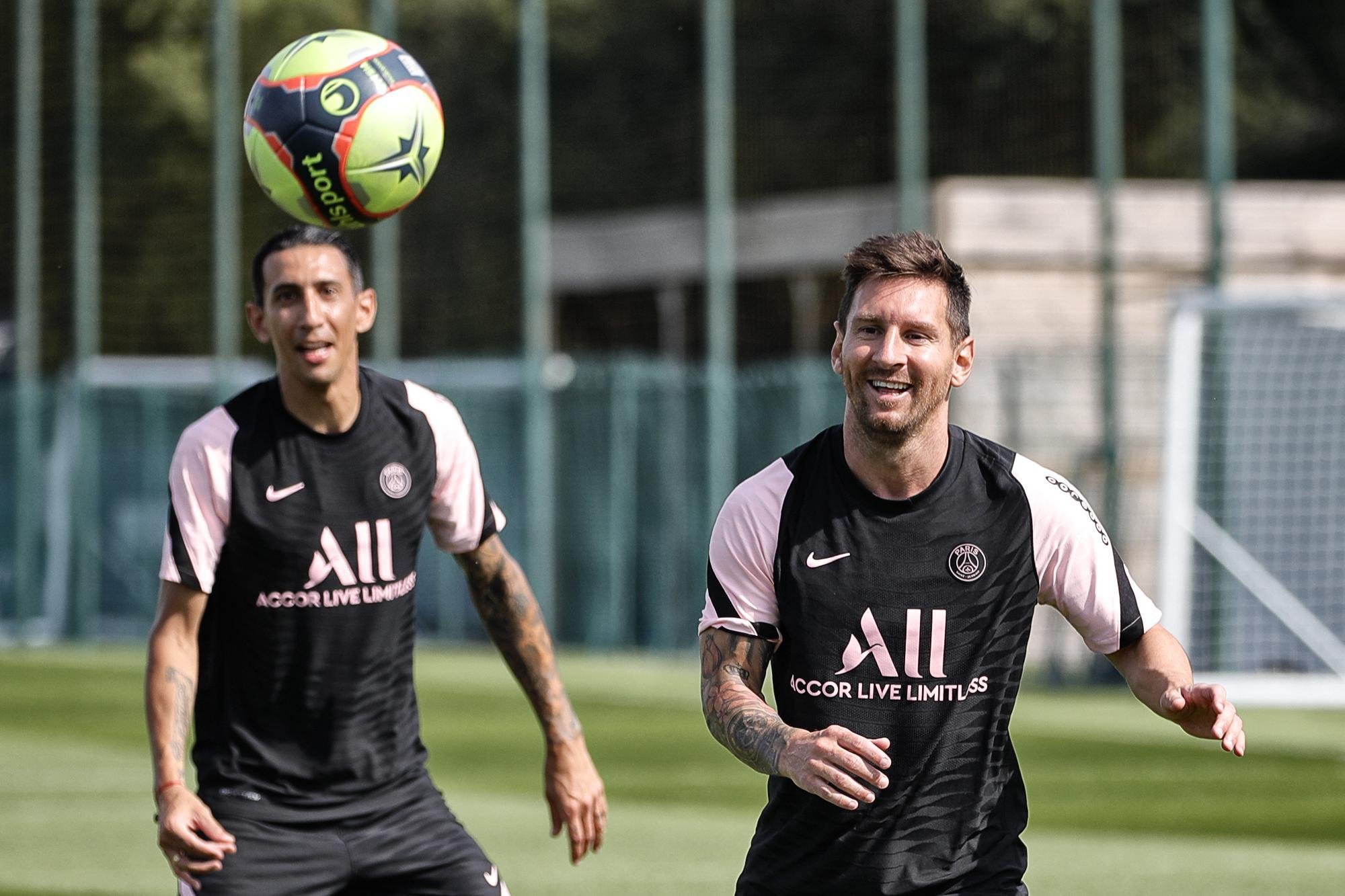 Lionel Messi PSG ile ilk antrenmanına çıktı! İşte görüntüler
