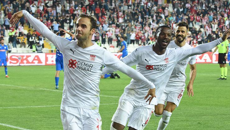 Sivasspor, UEFA Avrupa Konferans Ligi'nde play-off turuna yükseldi